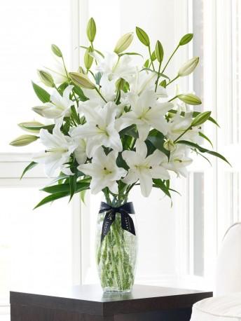 Luxury White Oriental Lily Vase